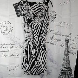 Flaw White House Black Market Zebra Dress XS